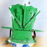 Green backplate with a radial gadget to fix the backpack.